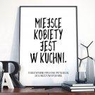 MIEJSCE KOBIETY W KUCHNI - Plakat w ramie